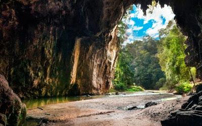 Soñar con Cuevas